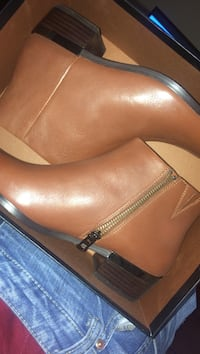 Tan leather stacked heel side-zip booties with box Washington, 20020