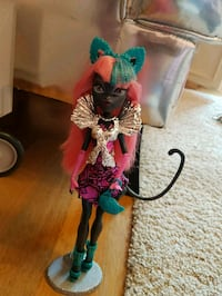 Monster high catty noir Roma, 00123