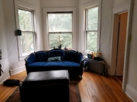 Room For Rent 2BR Damen blue.MUST travel for work