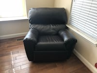 Recliner leather chair  Silver Spring, 20906