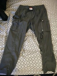 Nike cargo pants read profile