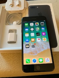 IPHONE 7 Plus 32 gb unlocked unused original charger and cable.  Mississauga, L5H 2L1