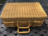 brown wicker basket with lid Hinsdale, 60521