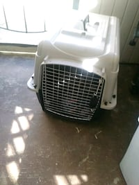 white and black pet carrier Cocoa, 32922
