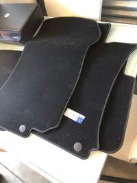 Mercedes Benz brand new floor mats 68 km
