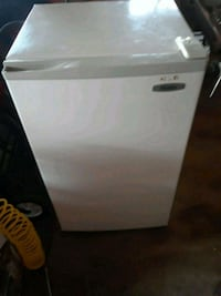 white Whirlpool single door refrigerator Red Lion, 17356