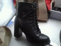 New leather size 7 boots.
