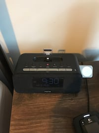 Logitech iHome iPLWBT5 Clock Radio w/iPhone and Apple Watch charger Mississauga, L5A 3Y2