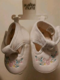 Please mum infant shoes size 3.  Port Colborne, L3K