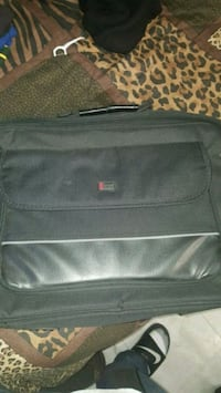 Laptop carry bag  563 mi