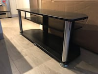 TV stand North Vancouver, V7M 1A9