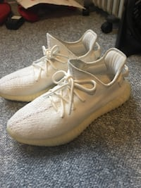 Yeezy boost v2 creams