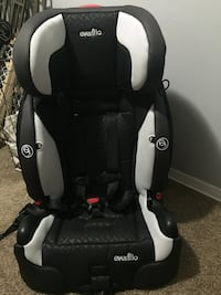 baby's black and gray car seat 30 km