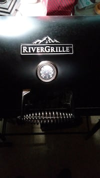 River grille with smoker and temp gauge Washington, 20019