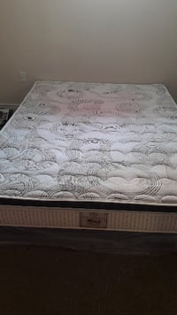 Queen size bed n box frame TORONTO