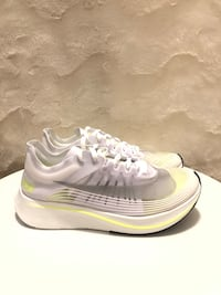 New - Nike Zoom Fly SP
