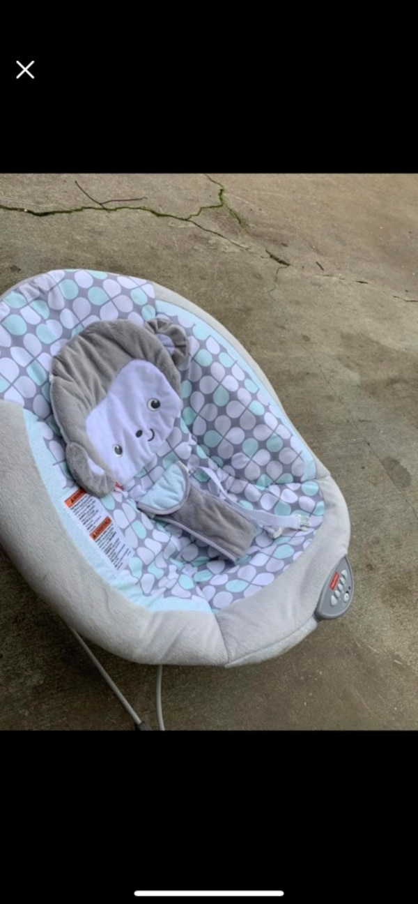 9e4f0fcba5e Used baby s pink and white bouncer for sale in Oakland - letgo