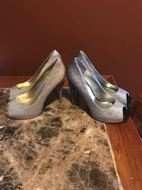 Woman shoe size 8 New York, 10461
