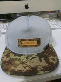 black and gray camouflage fitted cap Washington, 20032