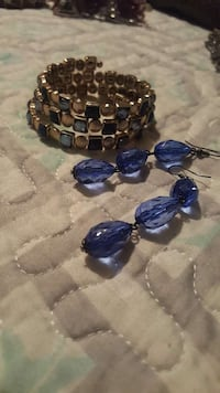 pair of blue stone pendant earrings and gold bracelet Anaheim, 92801
