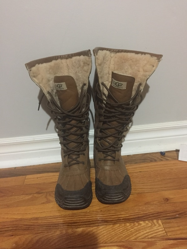 Brown-and-black ugg butte botos