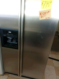 Stainless side by side refrigerator ice n water   Fort Myers, 33901