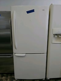Kenmore bottom freezer excellent conditions with 4 months warranty Bowie, 20715