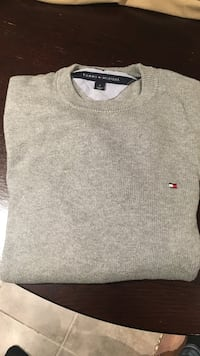 Tommy Hilfiger men's medium Toronto, M1L 1V9