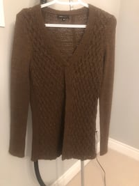 BCBG sweater size medium Vaughan, L6A 4C2