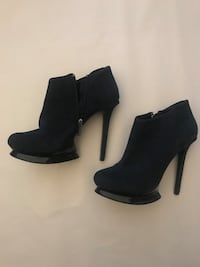 DOLCE VITA suede ankle heels (size 8)
