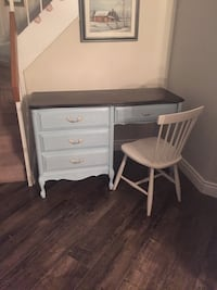Solid wood desk made by baronet Mississauga, L5N