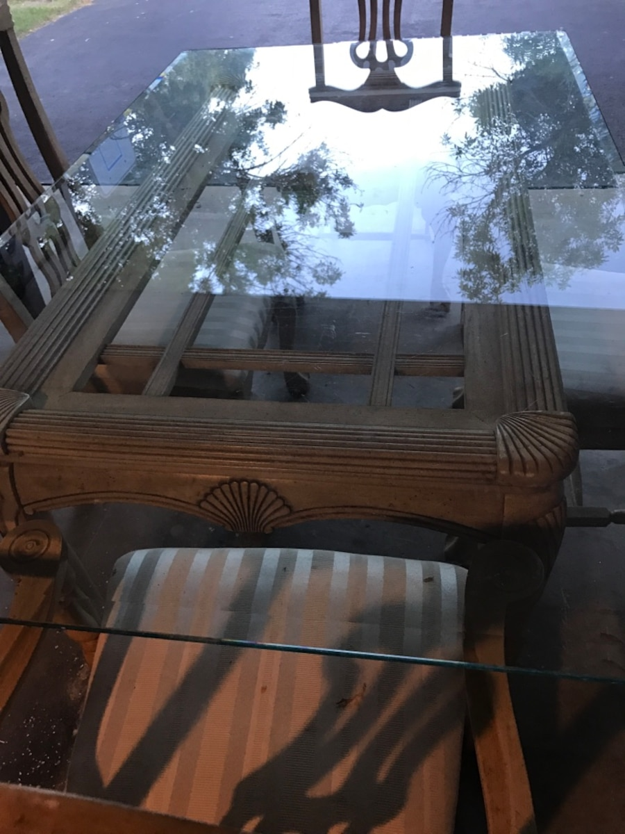 Glass table with 4 chairs - NJ