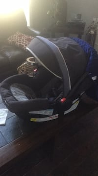 Graco click connect car seat and stroller Cumming, 30040