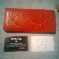 Red leather channel wallet - like new! Toronto, M4S 1B4