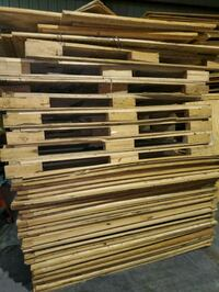 Wood panelling and vault pallets