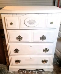 Chest of drawers Oklahoma City, 73114
