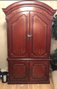 brown wooden 2-door cabinet Mississauga, L5W 1H2