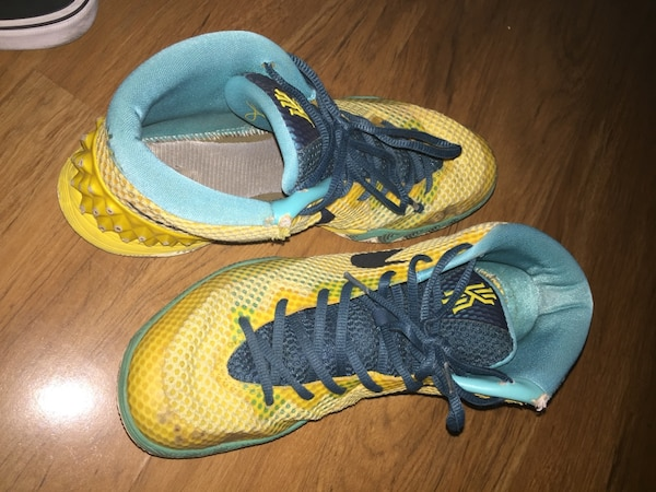 """newest 6a304 9c709 Kyrie 1 """"Letterman's"""