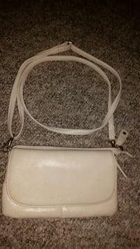 Leather purse Abbotsford, V2T 6T5