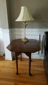 End Table/Lamp Gaithersburg, 20879