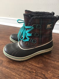 SOREL Winter Kids Boots: Size 2 Toronto, M1S 2Y8