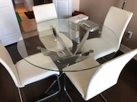 Round glass top table with chairs set Markham, L3T 7N1