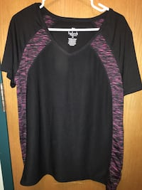 Black and pink athletic shirt , XL , New St Catharines, L2T