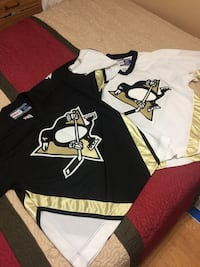 2 CCM Pittsburgh Penguins jerseys SIZE LARGE 539 km