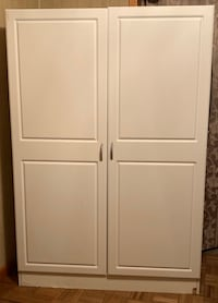 Closets white with shelves & hanging rod