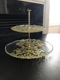 Two tiered decorative stand Vaughan, L6A 0T1