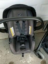 black and gray car seat carrier Toronto, M2J 4W6
