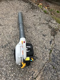 Ryobi gas leaf blower to hundred miles per hour works great