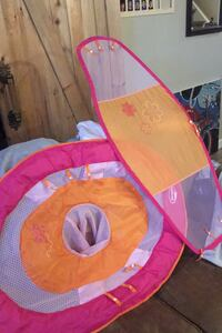 Baby flotation device with a canopy Calgary, T2Y 2B6