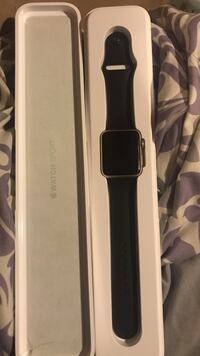 space gray aluminum case Apple Watch with black sport band Westbury, 11590